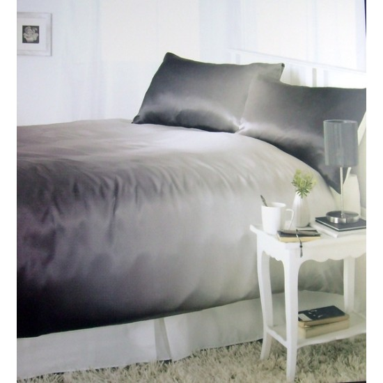 Dreams and Drapes Larissa Duvet Cover Set